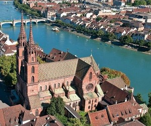 Chercher emploi femme de menage à Bâle et trouver ici - Homeservice24