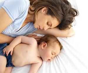 Illustration de l'article Co-sleeping : 32% des parents dorment avec leurs nourrissons