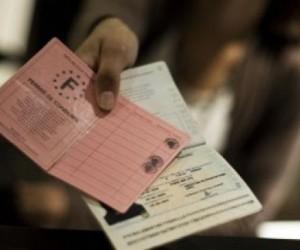 Illustration de l'article Régularisation des sans-papiers : le gouvernement assouplit les règles