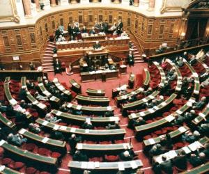 Illustration de l'article Le sénat prévoit de supprimer le régime de l'agrément des services à la personne