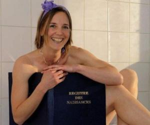 Illustration de l'article Les sages femmes de la maternité des Lilas posent nues