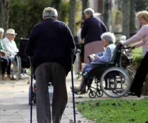 Illustration de l'article Maisons de retraite : un avenir incertain