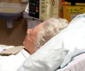 Illustration de l'article Malade ou tout simplement vieux ? Attention au mélange des genres et à la surmédicalisation des personnes âgées.