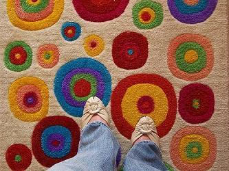 Illustration de l'article Assistance aux seniors : un tapis détecteur de chutes