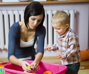 Illustration de l'article Déclarer sa baby-sitter : les démarches à suivre