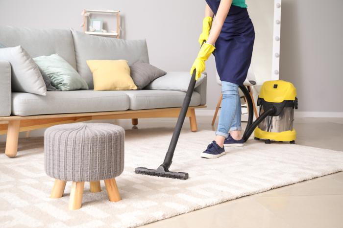 Illustration de l'article Embaucher une aide-ménagère en CESU : Pourquoi et comment procéder?