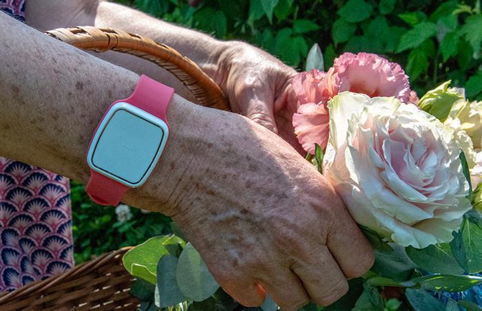 Illustration de l'article Téléassistance pour personnes âgées : comment s'y retrouver parmi les systèmes proposés