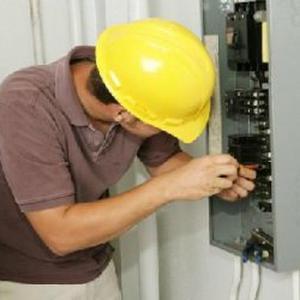 Électricien Entretien Pose et Mise aux normes