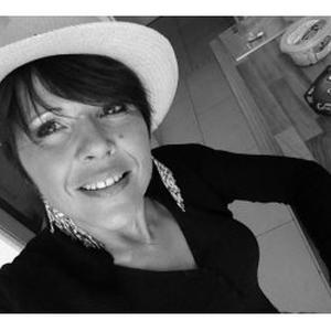 Coiffeuse - Prothésiste ongulaire - Conseillère en Relooking sur Les Sables-d'Olonne