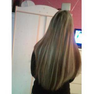 Extension cheveux et prothesiste ongulaire