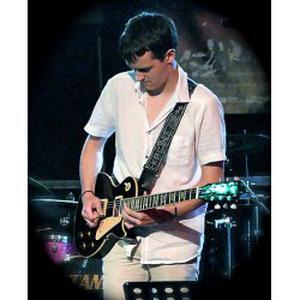 Musicien pro propose cours de guitare sur Sedan