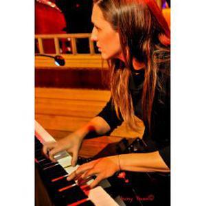 Donne cours particuliers de piano et solfège sur Aubagne et alentours