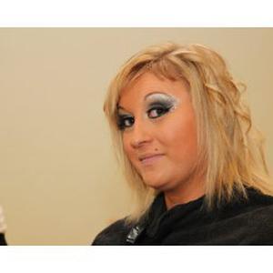soin visage et corps, maquillage, extension de cils, pose d'ongles