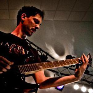 Musicien professionnel propose cours de Guitare sur Cholet et alentour