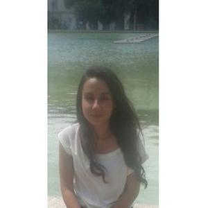 Coralie, 19 ans, disponible toute la semaine à partir de 17h.