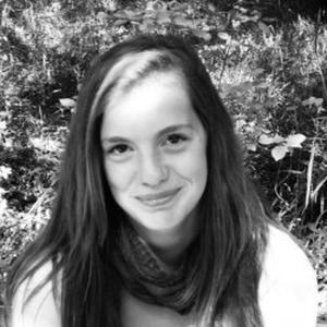 Aña, 19 ans, Aide aux devoirs à Bordeaux