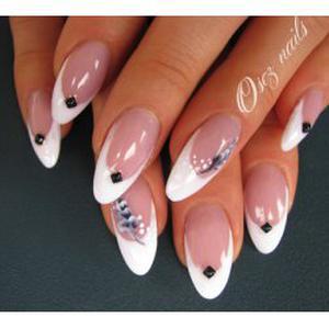 Manucure, pose de faux ongles, nail art à domicile