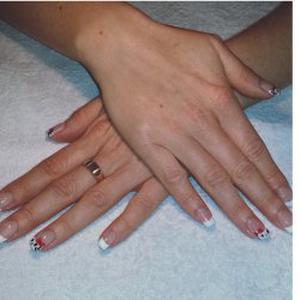 Pose de faux ongles à votre domicile