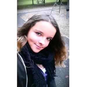 Célia, 18 ans, recherche des enfants à garder aux alentours d'Epuisay et Vendôme (41100)