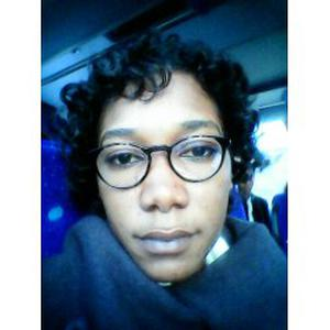 Mouna, 24 ans