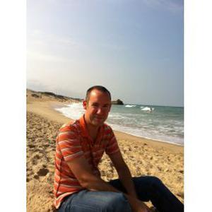 Jean michel , 34 ans cherche un poste d'aide ménager et/aide à la personne sur Lyon