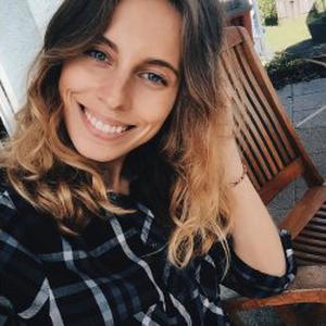 Yuliya, 24 ans