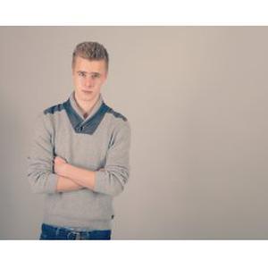 Victor, 17 ans, baby-sitting / jardinage / ou autre activité selon vos besoins