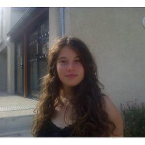 Jade, 18 ans Babysitting/Garde d'enfant/Nounou pour Septembre 2016