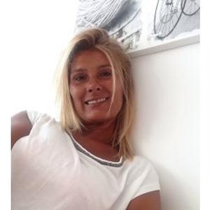 Celine , 44 ans
