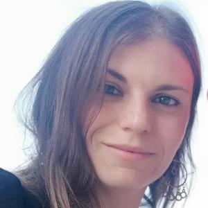 Amélie, 21 ans, garde d'enfants et aide au personne âgées à domicile