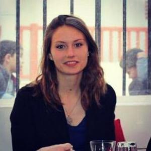 Margot, 18 ans, aide aux personnes âgés ou personnes en difficulté à Lacanau de Mios