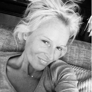 Sabine , 43 ans, promène vos toutous