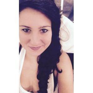 Diane, 22 ans, grande habitude du ménage et garde d'enfant (famille nombreuse)