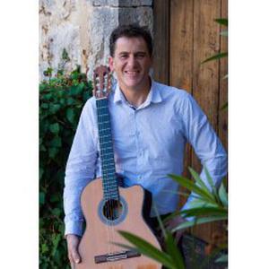 Professeur de guitare donne cours, secteur Saint valier de thiey et Grasse