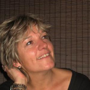 CATHERINE, 51 ans, propose des cours de français (formation littéraire) ou anglais (pour enfants)