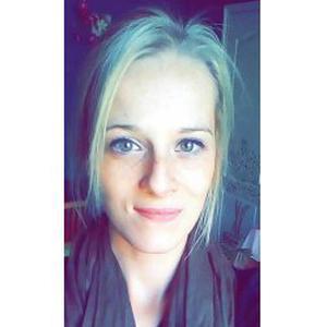 Théa, 21 ans recherche emploi ou petits jobs
