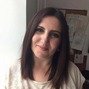 laura, 31 ans, femme a la recherche d'heures de menage