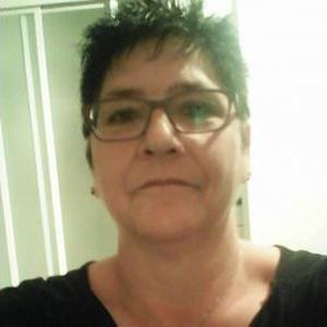 sandrine, 49 ans, recherche un emploi dans le domaine du nettoyage