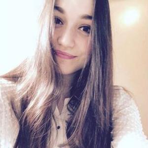Alexia, 19 ans, baby-sitter à Bordeaux