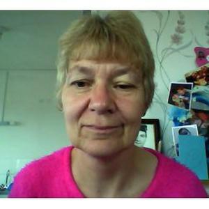 Marie Christine , 57 ans, assistante pour les personnes âgées
