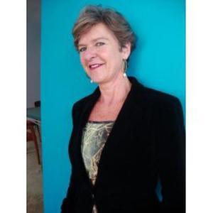 Enseignante retraitée et motivée est disponible pour les services aux personnes agées ou garde d'enfants