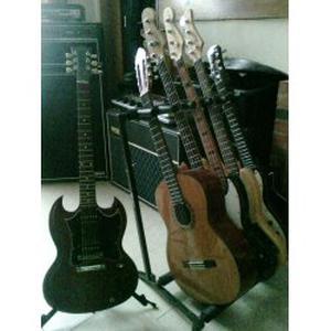 Cours de guitare et basse à domicile pour tous les niveaux