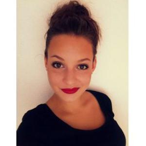 Caroline, 18 ans, propose garde d'enfants