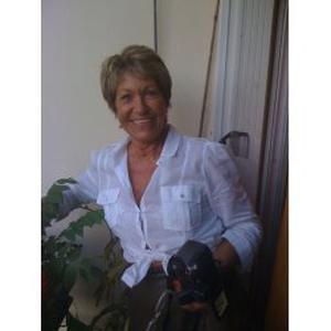 Jacqueline, 63 ans propose des services à la personnes (ménage, courses, et préparation de repas)