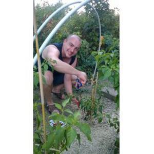 Christophe, 36 ans Jardinier à la Colle sur Loup et environs