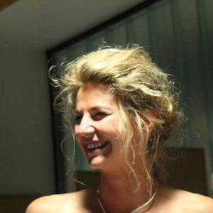 Amélie, 25 ans propose ses services en tant qu'assistante de vie
