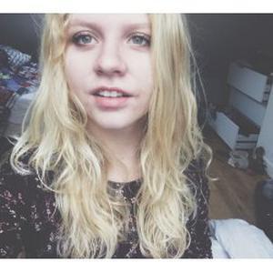 Jade, 18 ans, propose d'enseigner l'anglais
