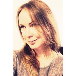 """Katia, 40 ans propose une offre promotionnelle le """"Massage en couple"""""""