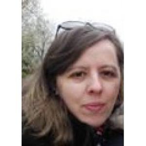 Lucie, 30 ans cherche un emploi d'aide à domicile