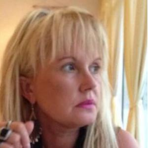FABIENNE, 53 ans, assistante administrative pour les personnes âgées